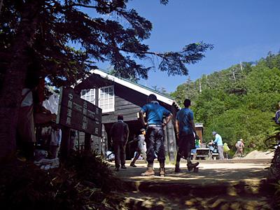 夏の合戦小屋