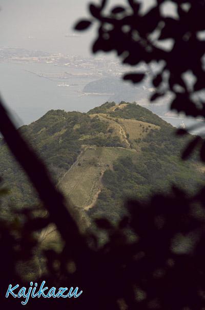山頂小文字山方面の縦走路