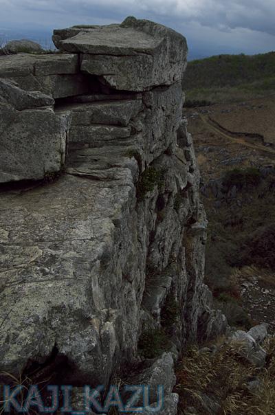 鬼の唐手岩